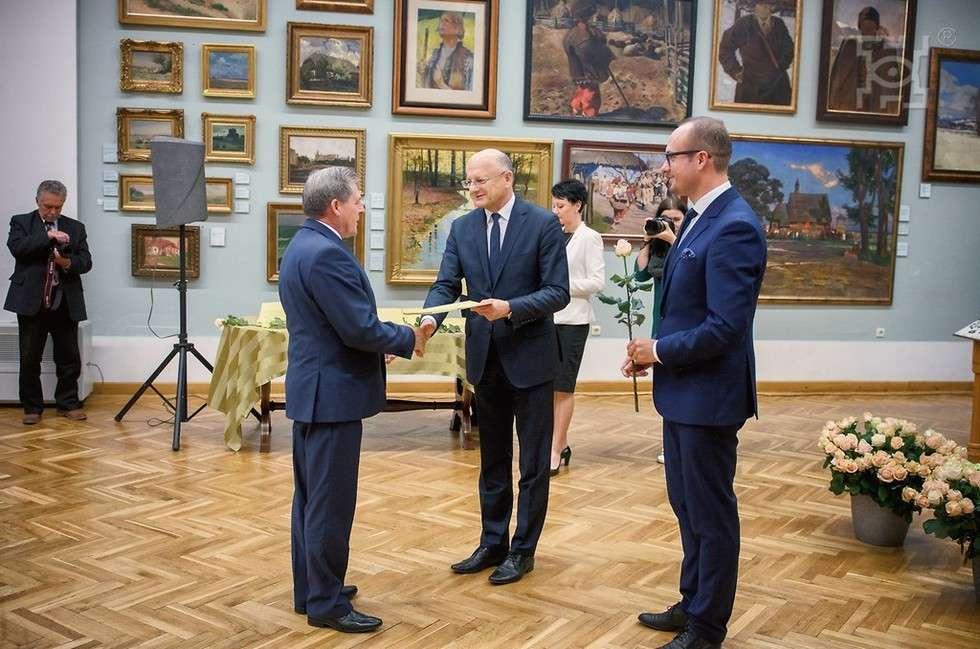 Nagrody od prezydenta Lublina dla nauczycieli (zdjęcie 2) - Autor: UM Lublin