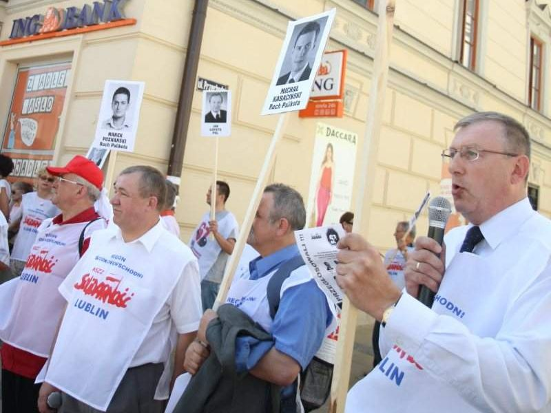 """Dwa miesiące temu związkowcy z """"Solidarności"""" pikietowali przeciwko reformie emerytalnej w Lublinie"""