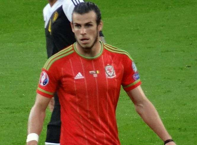 FOT.  Jon Candy/wikipedia