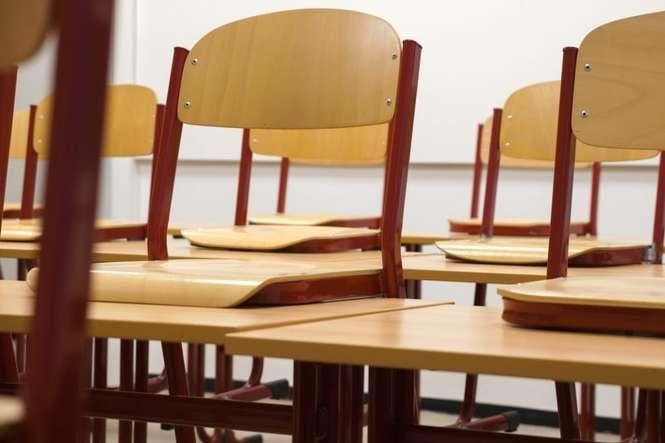 Okazało się m.in., że jedna z osób miała przystąpić do egzaminu zawodowego, choć nie przeszła procesu kształcenia w tym kierunku