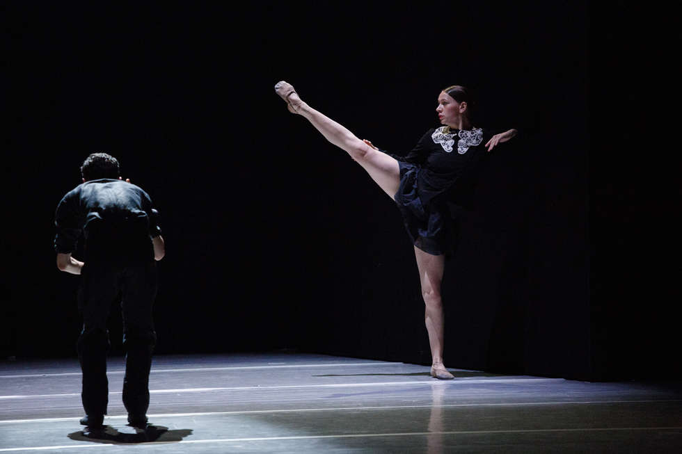 <p>&ldquo;Some other time&rdquo; choreografia: Sol Le&oacute;n &amp; Paul Lightfoot</p>