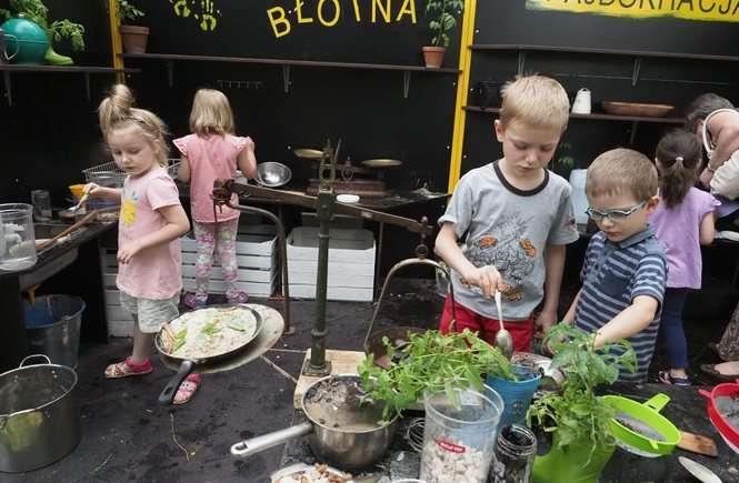 Dzieci Są Albo Czyste Albo Szczęśliwe Tak Działa Błotna