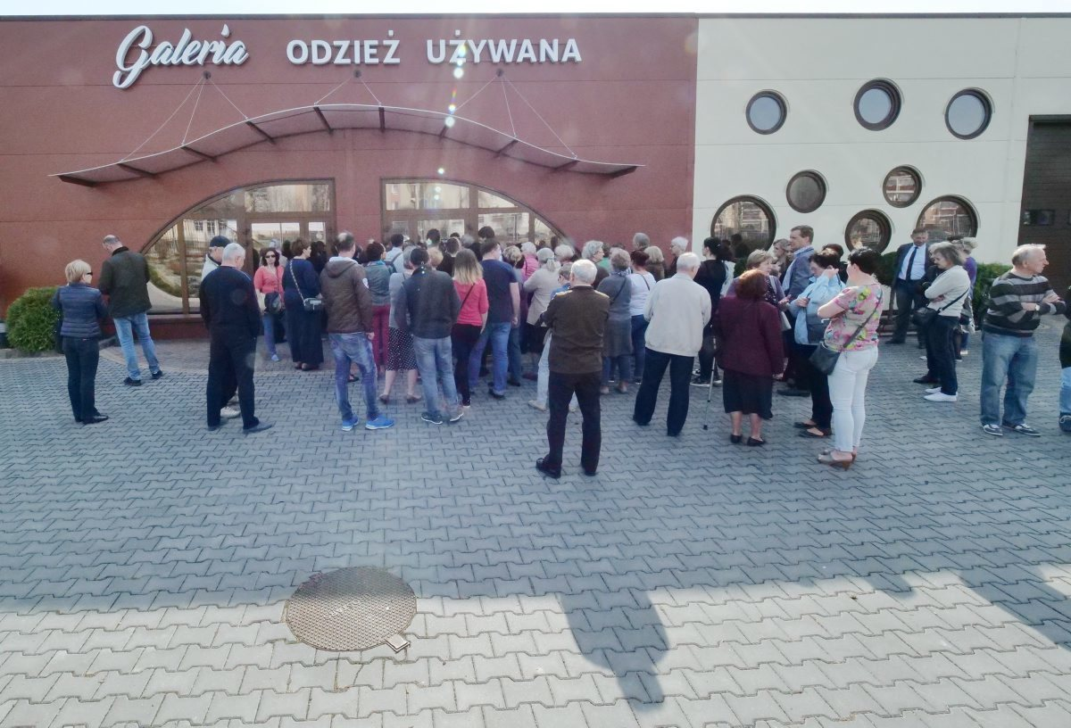 7414292e0b Świdnik  otwarcie Galerii Galant z odzieżą używaną - Autor  Maciej  Kaczanowski