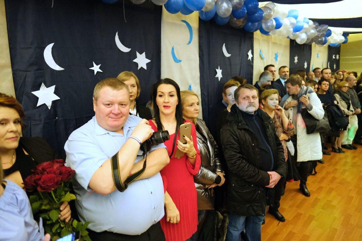 aafe5da0fc Bal gimnazjalny w Szkole Podstawowej nr 19 im. Józefa Czechowicza w Lublinie  (zdjęcie 4