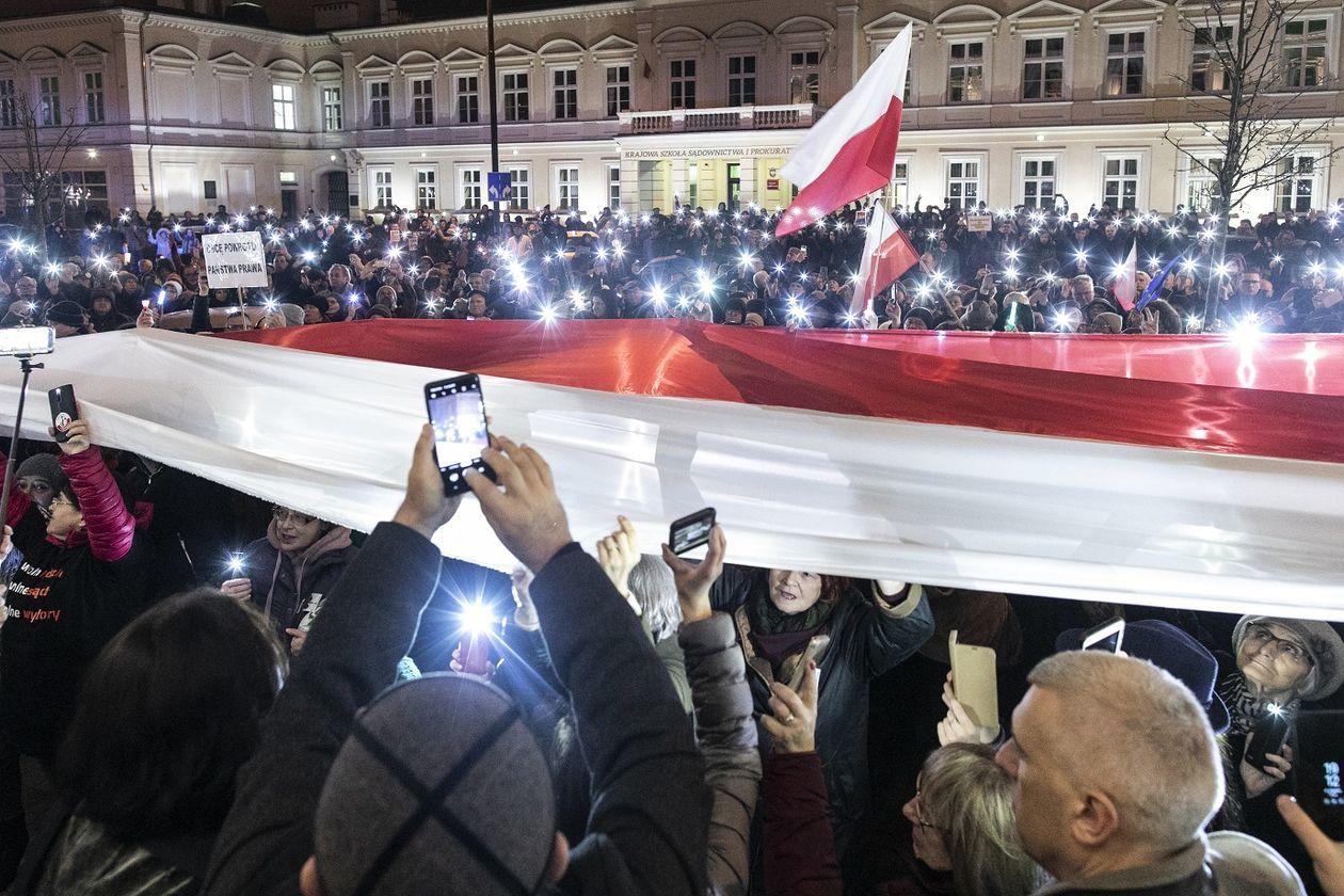 https://cdn01.dziennikwschodni.pl/media/gallery/2019/12/999684522/7b634ff43aec625ef432d3dfe2f744d8_big.jpg
