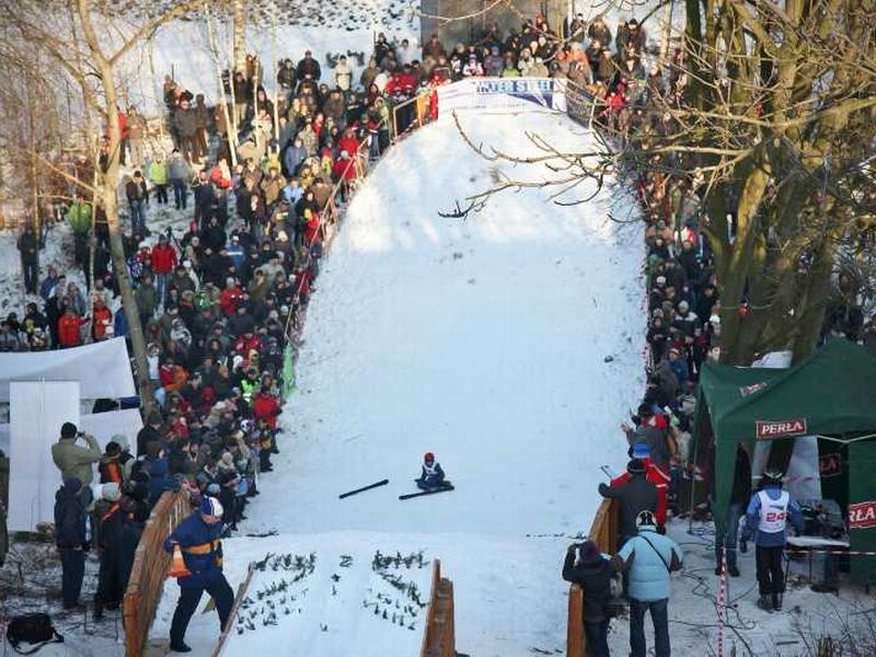 Skoki w Zakopanem 2020. Kibice ju s. Opanowali Wielk