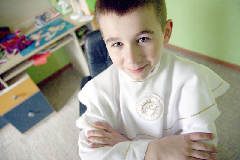 17fc87c604 Szymon Nowak przystąpi po Pierwszej Komunii Świętej w najbliższą niedzielę.  Chłopiec jest ministrant