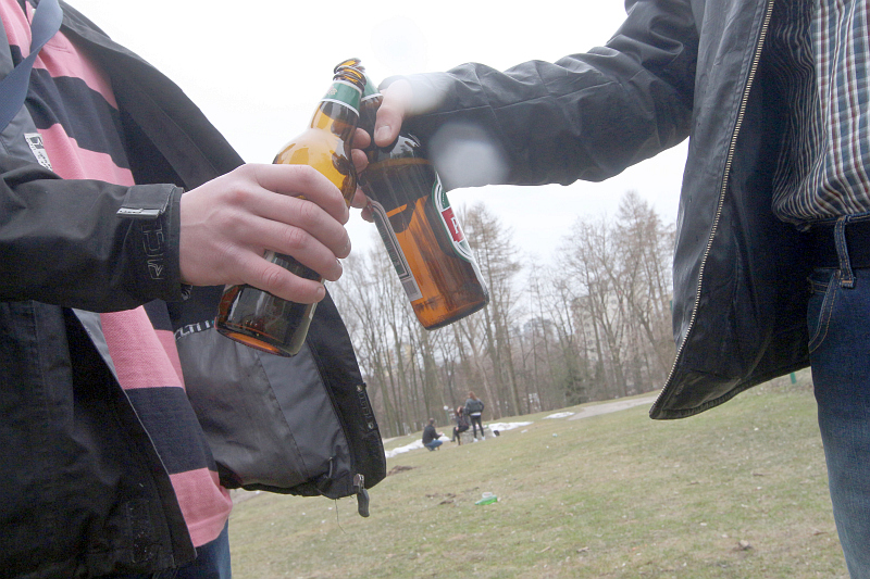 Randki z butelkami piwa