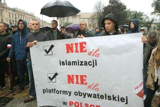 9cae9c1d3ba414 Partia Razem: Manifestacja przeciw imigrantom to wstyd dla miasta ...