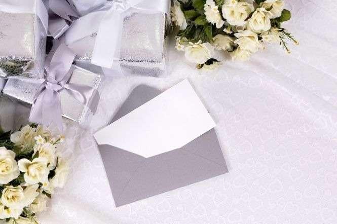 Jak Wręczać Zaproszenia ślubne Wskazówki Ku Właściwemu Zapraszaniu