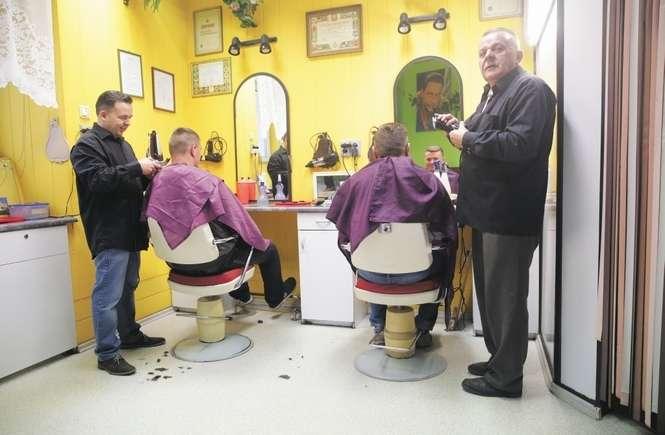 Od Stu Lat Można Się Tu Ostrzyc Ten Salon Fryzjerski Działa W