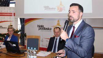 Obiecaliśmy mieszkańcom skromne i racjonalne wydatkowanie pieniędzy – mówił  prezydent Michał Litwiniuk c895bd4f0b6