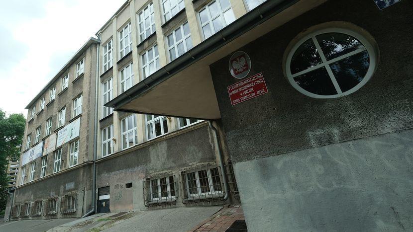 d316977b Afera w 5 LO w Lublinie, długa lista nieprawidłowości. Ratusz ...