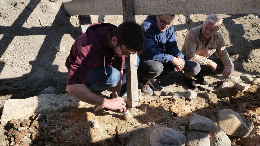 Datowanie dowodów archeologicznych
