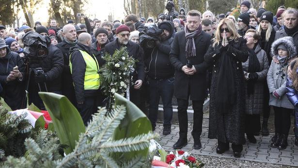 Pogrzeb Romualda Lipko. Rodzina, przyjaciele, fani i mieszkańcy Lublina pożegnali artystę [zdjęcia, wideo] - Dziennik Wschodni