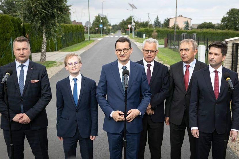 https://cdn01.dziennikwschodni.pl/media/news/2020/2020-04/5df4dc5d8671f2d358f3cb56864d6977_v1_830.jpg