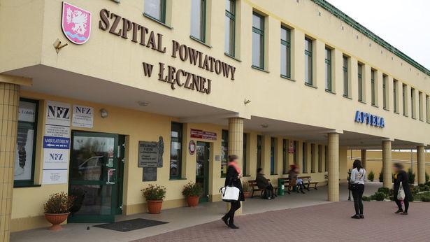 """<a href=""""https://www.dziennikwschodni.pl/leczna/n,1000273764,koronawirus-w-lecznej-dyrektor-szpitala-zakazony-starosta-i-burmistrz-na-kwarantannie.html"""">Koronawirus w Łęcznej. Dyrektor szpitala zakażony, starosta i burmistrz na kwarantannie</a> thumbnail  Drastyczny spadek liczby ślubów. Powodem koronawirus 3699317c7196785073e5b9fe5a47a843 std crd 615"""