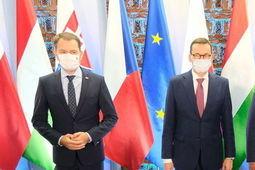 Premierzy w Lublinie: o Białorusi i koronawirusie. Do domu zabrali cebularze eea358ecdf24ec7709893cd961bcc409 crd thumb