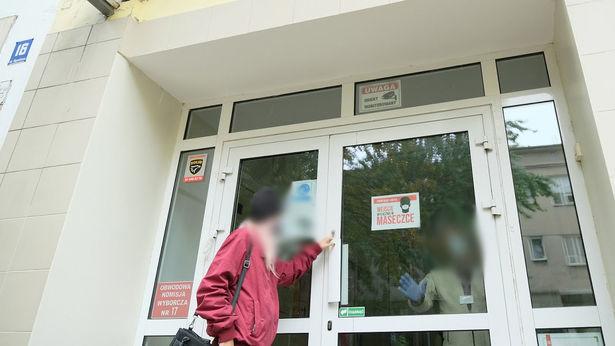 """<a href=""""https://www.dziennikwschodni.pl/edukacja/n,1000276323,sytuacja-w-lubelskich-szkolach-rozwija-sie-w-zlym-kierunku-dziesiatki-zakazonych-nauczycieli.html"""">Sytuacja w lubelskich szkołach rozwija się w złym kierunku. Dziesiątki zakażonych nauczycieli</a> thumbnail  Szefowa Komisji Europejskiej na kwarantannie bd42506dfc87fada559ebd4efd0258c9 std crd 615"""