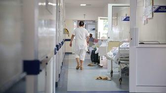 Ministerstwo Zdrowia o montażu szyb ochronnych w aptekach
